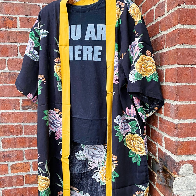 Brand New Floral Kimono, Black, Size: One Size<br /> Gorgeous and Lightweight