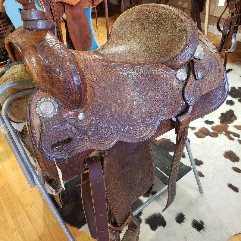 "Jim McNuty Cutting Saddle, Size: 16""<br /> Actual Shipping costs will be determined upon final sale."