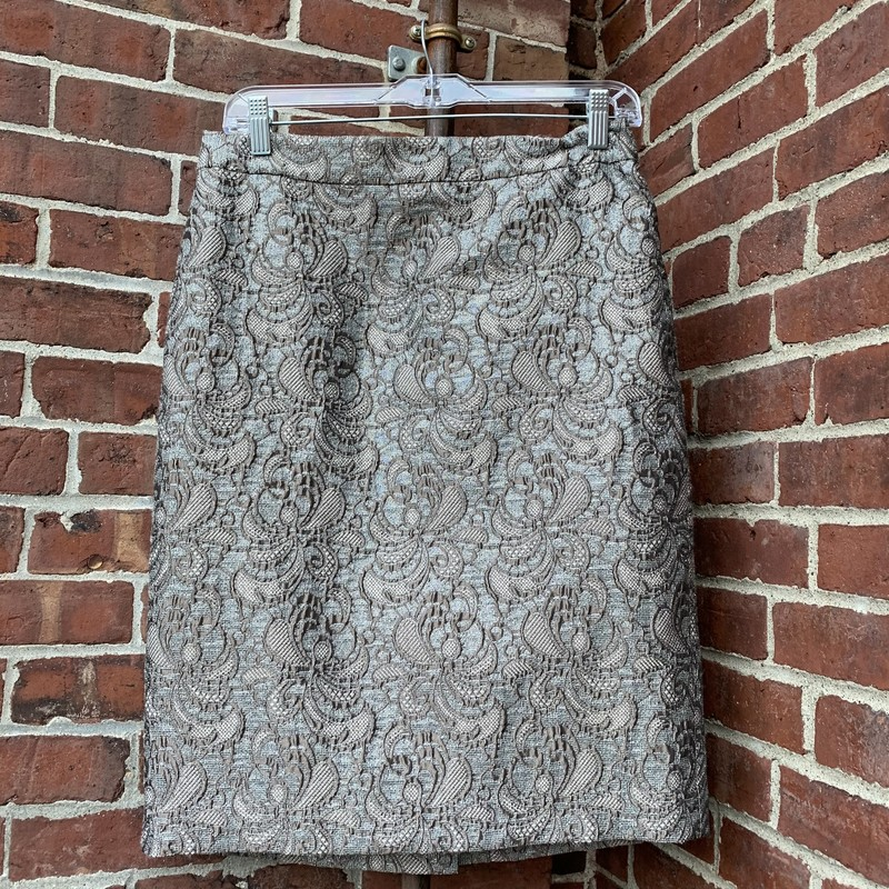 Fun, metallic pattern Ann Taylor skirt. Size 8.