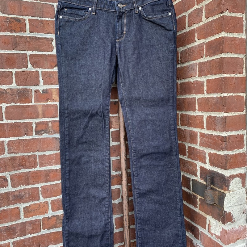 Stay warm in a pair of Patagonia jeans. Size 29/8