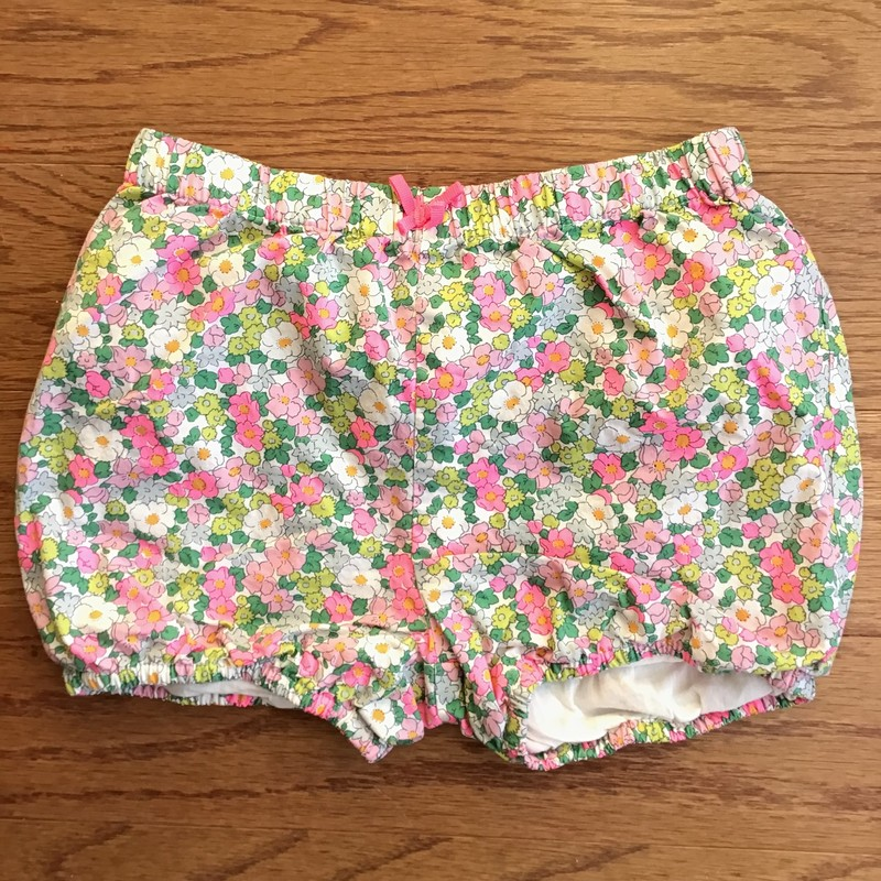 Baby Boden Short, Multi, Size: 3-4<br /> <br /> <br /> Stitching on one side of the tag has come off. Easy fix.<br /> <br /> <br /> ALL ONLINE SALES ARE FINAL. NO RETURNS OR EXCHANGES.