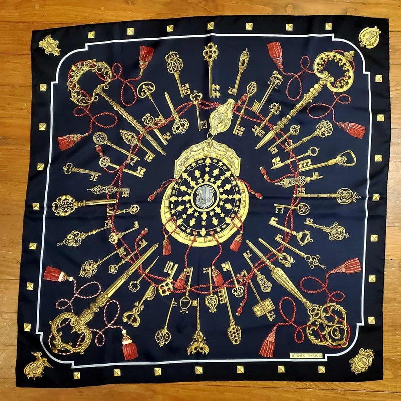 LIKE NEW Hermès Scarf. Black, Navy, gold, and red silk. Keys style. No signs of use. GORGEOUS for ANY occasion!