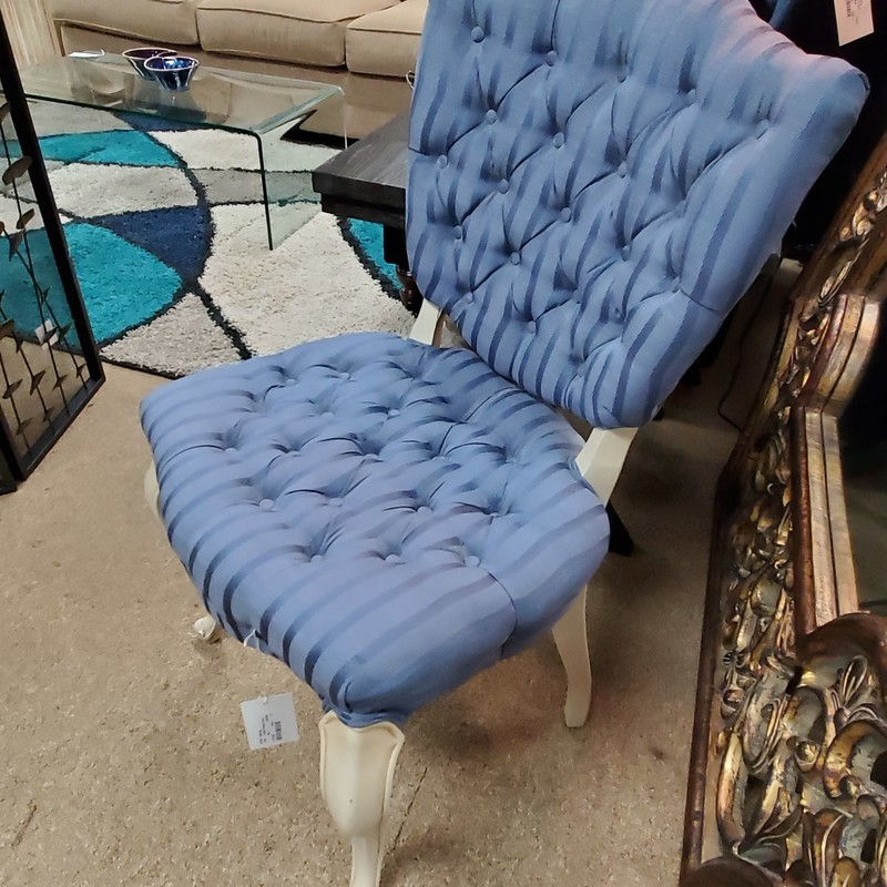 Tuffted Single Chair, Blue, Size: None