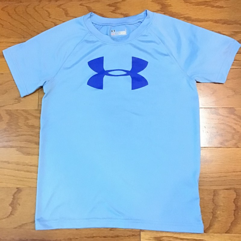 Under Armour Shirt, Blue, Size: 7<br /> <br /> <br /> ALL ONLINE SALES ARE FINAL. NO RETURNS OR EXCHANGES.