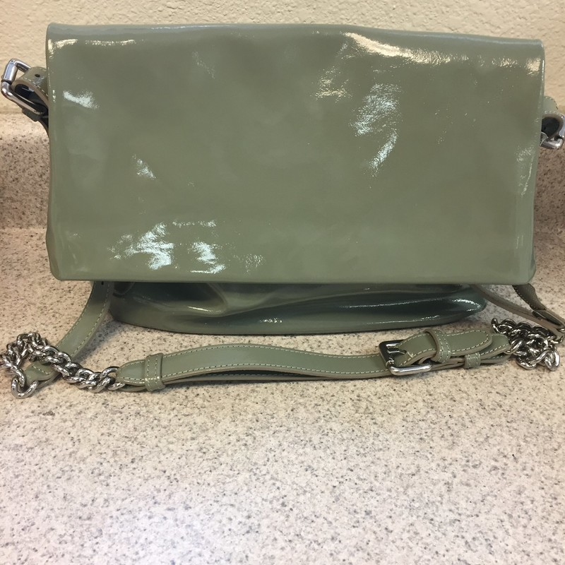 "Gorgeous patent leather Iacucci Handbag. Never used! Measures 13""x10"" with flap and zipper closure. Strap drop 14""-20"""