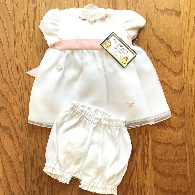 Cinderella 2pc Dress NEW, White, Size: 3m<br /> <br /> <br /> NEW WITH TAG<br /> <br /> <br /> ALL ONLINE SALES ARE FINAL. NO RETURNS OR EXCHANGES.