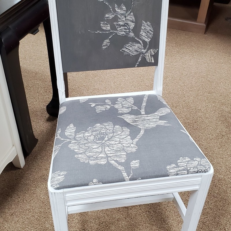 Floral Chair, Grey/White, Size: None