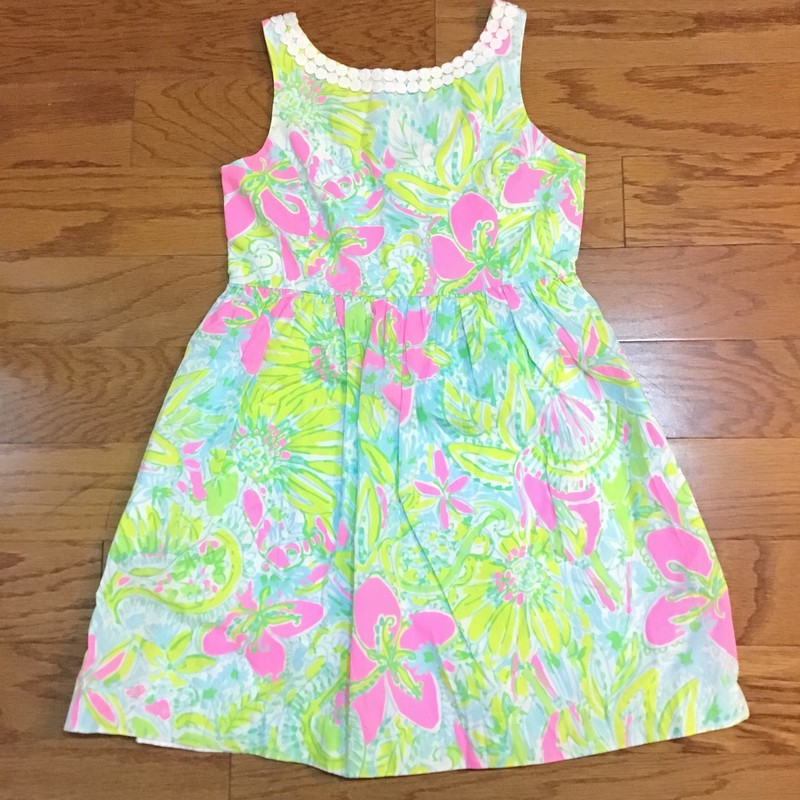 Lilly Pulitzer Dress, Coco, Size: 12<br /> <br /> <br /> AS IS DUE TO ONE SMALL DOT MARK<br /> <br /> <br /> ALL ONLINE ITEMS ARE FINAL SALE. NO RETURNS OR EXCHANGES.