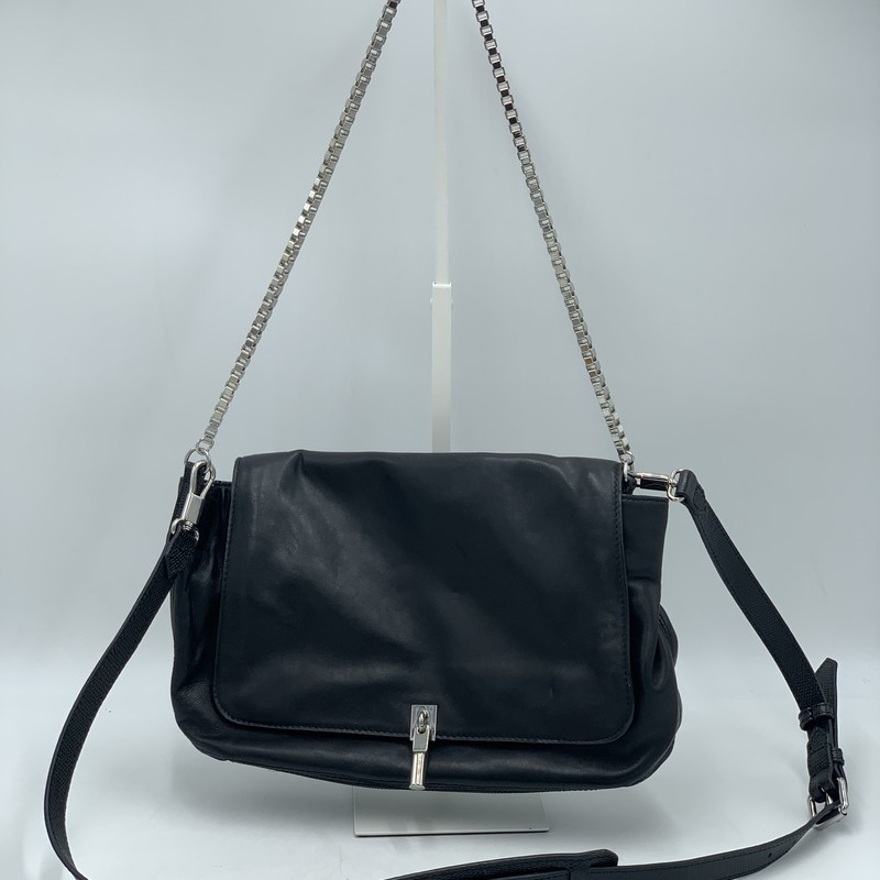"Elizabeth & James leather chain crossbody purse<br /> Black,<br /> Size:<br /> 14"" across<br /> 8"" height"