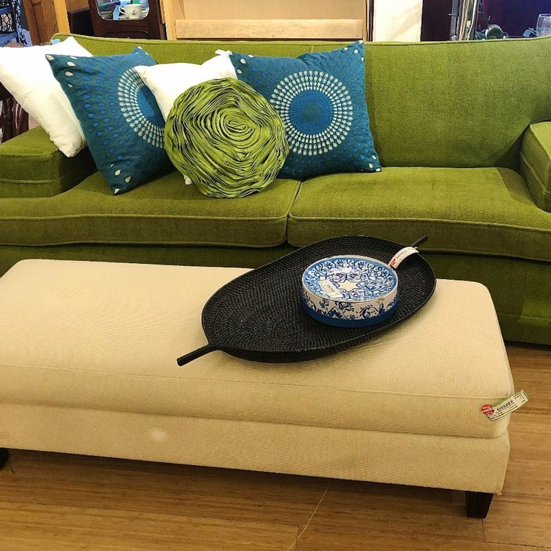 WIldly Green Sofa!