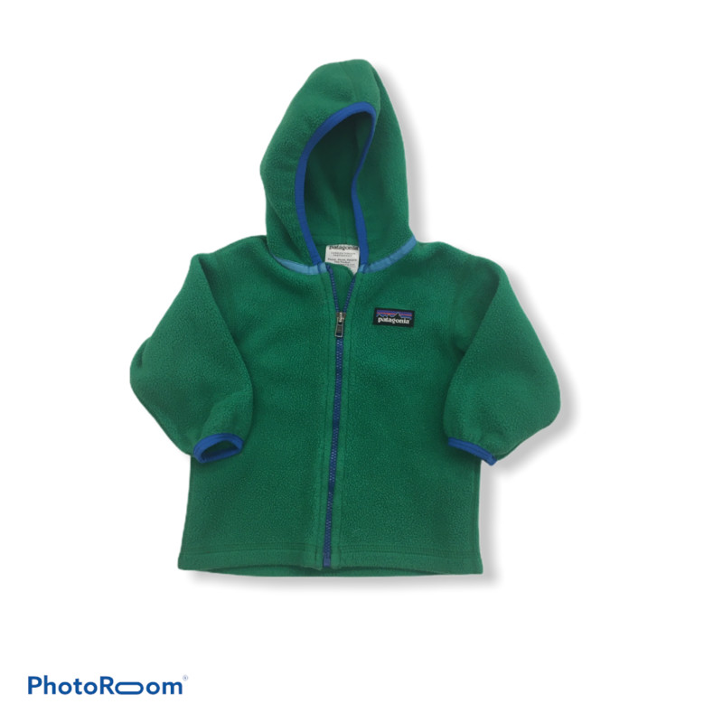 Size: 6m (Kids)<br /> Brand: Patagonia<br /> $19.99<br /> <br /> Cross posted, items are located at #PipsqueakResaleBoutique, payments accepted: cash, paypal & credit cards. Any flaws will be described in the comments. More pictures available with link above. Local pick up available at the #VancouverMall, tax will be added (not included in price), shipping available (not included in price), item can be placed on hold with communication, message with any questions. Join Pipsqueak Resale - Online to see all the new items! Follow us on IG @pipsqueakresale & Thanks for looking!<br /> <br /> Due to the nature of consignment, any known flaws will be described; ALL SHIPPED SALES ARE FINAL. All items are currently located inside Pipsqueak Resale Boutique as a store front, items purchased on location before items are prepared for shipment will be refunded.<br /> <br /> #boycloset #patagonia #greenfleece #boyscloset  #bargainshopper #gentlyusedkidsclothes #kidsresale #kidresale #childrensresale #babyclothesforsale #babyboygift #coolbabyboy  #kidsfashion #childrenclothes #smallbusiness  #boycloset #resalenotretail #reducereuserecycle #pipsqueak_boys_size6m #boys_size6m #boys_size_6m