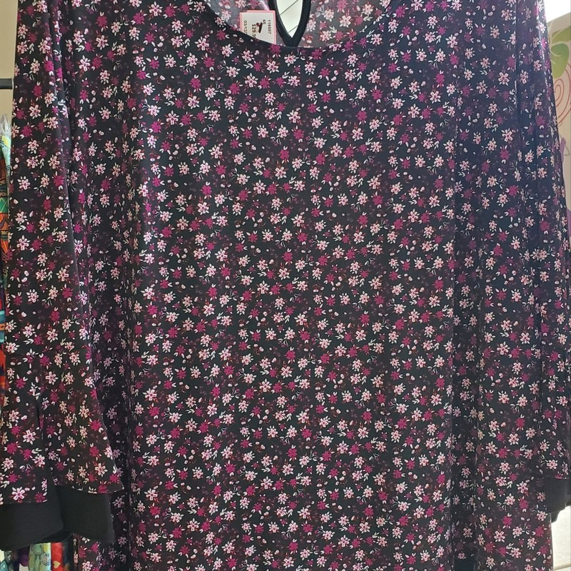 Jones Of  New York 1X purple, pink and black floral top. Layered look with split bell sleeve. $29.99