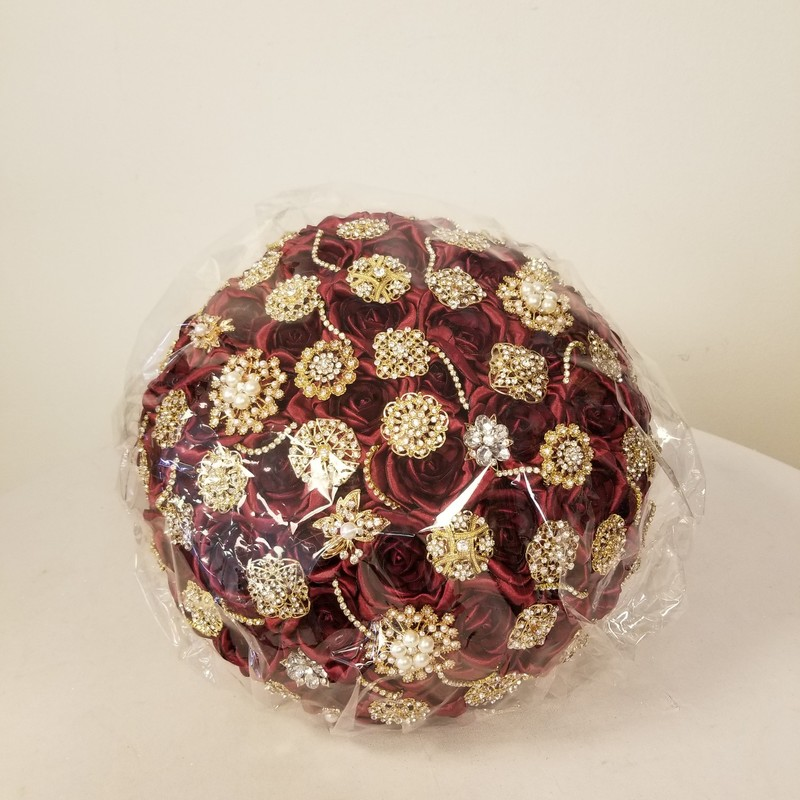 Silk/Jewel Bouquet, Burgundy/Gold, Size: 11 In