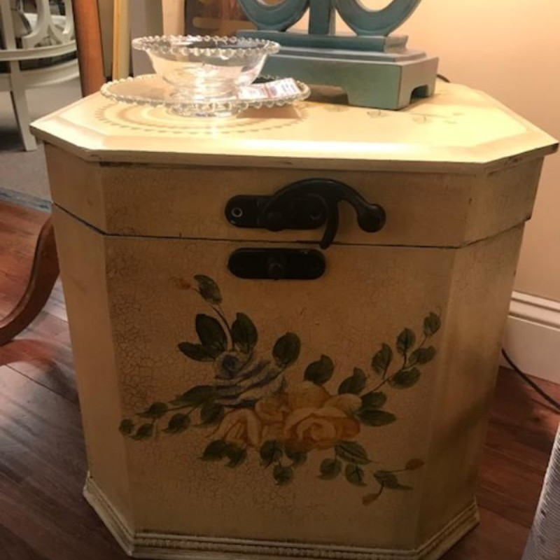 Floral Vine Hinged Chest<br /> Tan Green Size: 20x15x31H