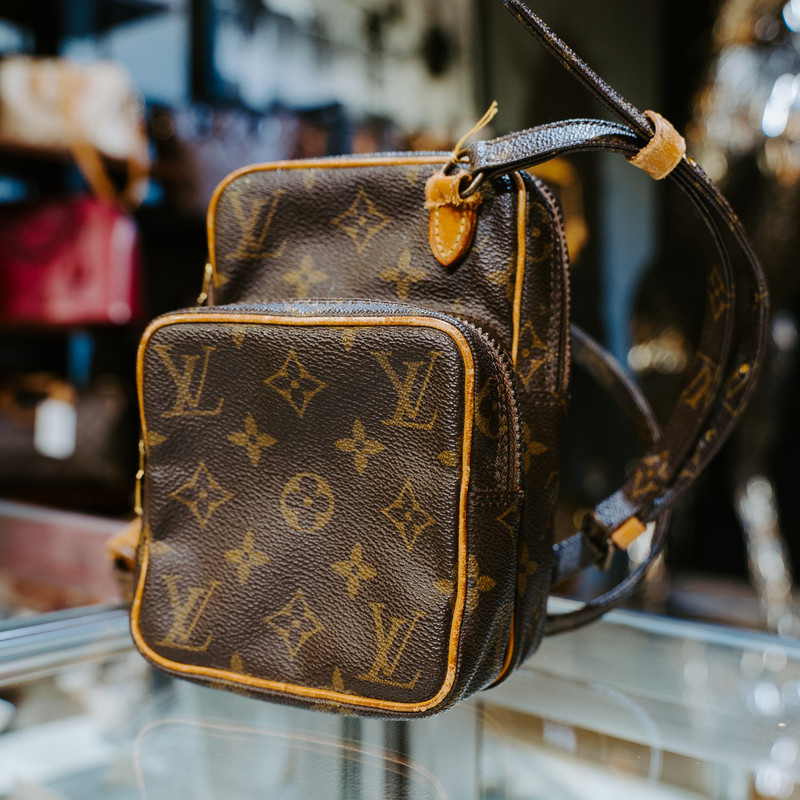 Louis Vuitton Mini Amazone Monogram<br /> <br /> #lv #louis #vuitton #vintage #crossbody #bag #handbag #purse #authentic #handbags
