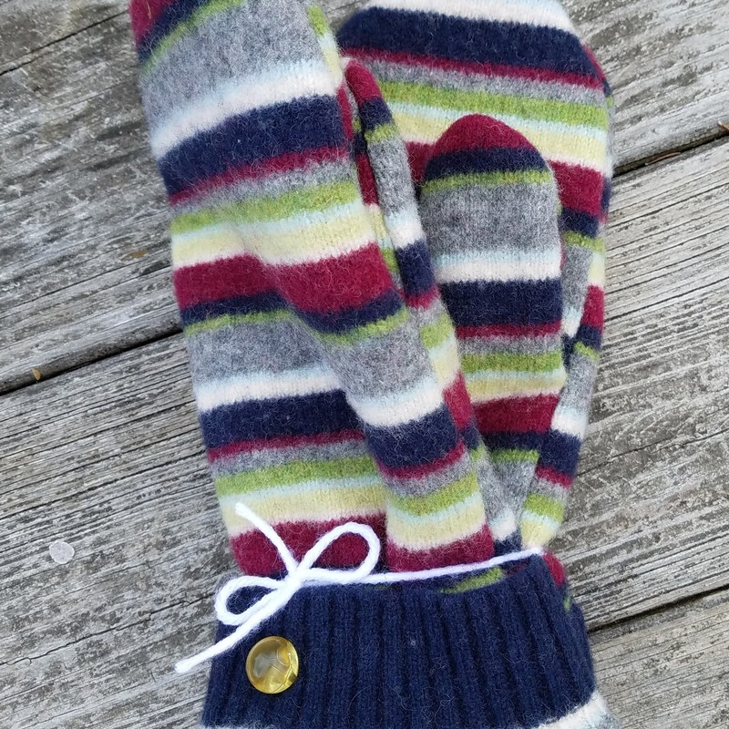 Tweed River Farm Mittens<br /> Made in Vermont from recycled Wool Sweaters ~ Sometime Designer Scarves ~ Or Embellished with Designer Notions<br /> Lined with a new Non-Pill Fleece<br /> A one of a kind find<br /> size Medium