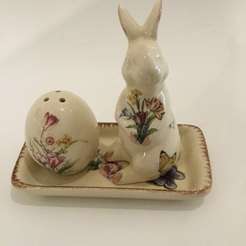 Salt & Pepper Shakers<br /> Cream & Multi<br /> Set Of 3