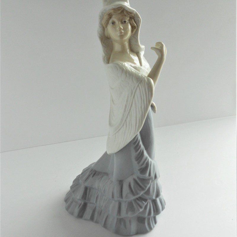 Beautiful Marco Giner spanish dancer figurine. Porcelain, hand made in Spain.