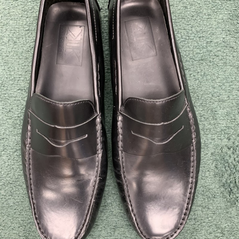 $295 Pair Of Kings<br /> Color: Black<br /> Size: 11 - D<br /> Condition: Very Good, some light wear on hells