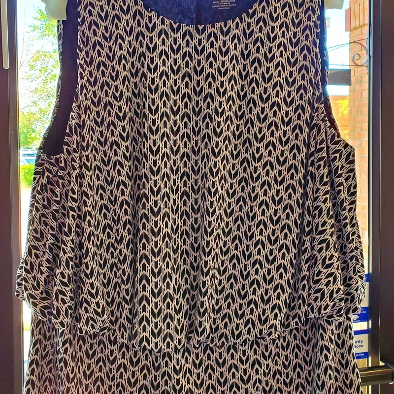 Lane Bryant Sleeveless<br /> Size 22/24W<br /> Black and White