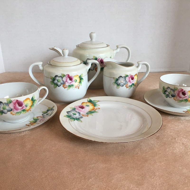 10 pc. Tea set. Floral detail; made in Occupied Japan.