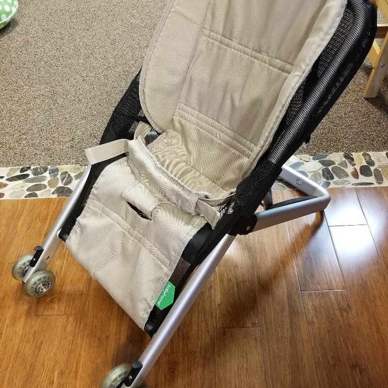 Baby Home Onfour Baby Bouncer<br /> Front wheels allow to move while baby seated.<br /> Cushion system to ensure baby's comfort.<br /> Aluminum lightweight structure.<br /> Collapses into travel bag.<br /> Top of the line brand baby furniture.<br /> Retail $130-$170<br /> * NO SHIPPING, IN-STORE PICKUP ONLY.<br /> ** WE OFFER FULL CURBSIDE SERVICE.