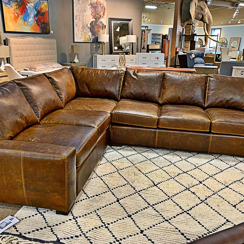 "Sectional W/ Chaise, OMNIA, Size: MHHH<br /> Learn more at <a href=""www.omnialeather.com ""> Omnia's Website </a>."