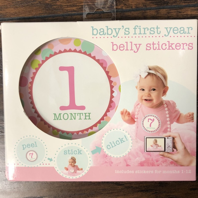 An adorable way to capture every month of baby's first year