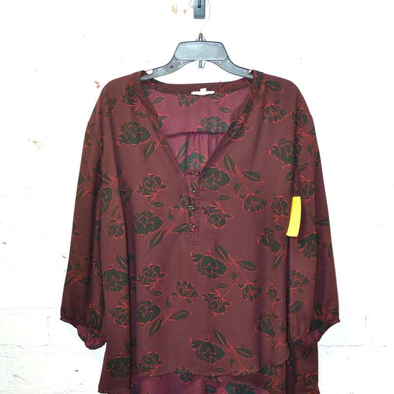 Maurices<br /> Purple with black and red flowers<br /> 3/4 sleeves<br /> Light weight material<br /> Great condition<br /> Size 3