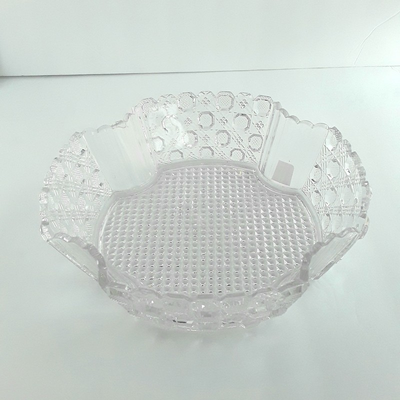 Vintage clear depression glass bowl. Beautiful diamond cut pattern!