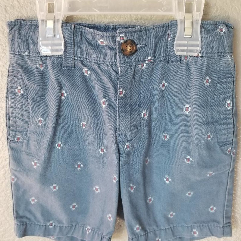 Carters Boys Shorts, Size: 4T<br /> Adjustabe inner waist<br /> Button & zip close<br /> Vintage blue with red<br /> Three pockets