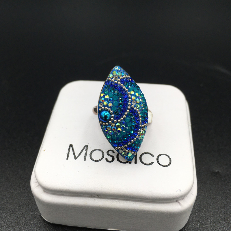 2109049<br /> Mosaico Austtrian  Crystal Ring,set in sterling silver<br /> Size:Adjustable<br /> Price -69.00
