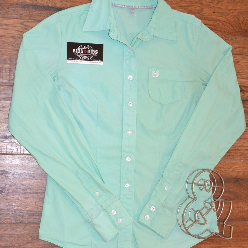 Cinch<br /> Teal color<br /> Buttons up<br /> Boys extra small