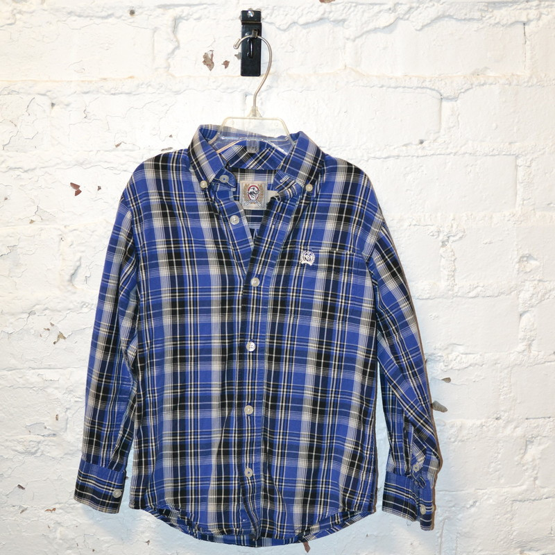 Cinch<br /> Blue, white, and black plaid<br /> Long sleeved<br /> Buttons up the front<br /> Pocket on the chest<br /> Size extra small (4/5)