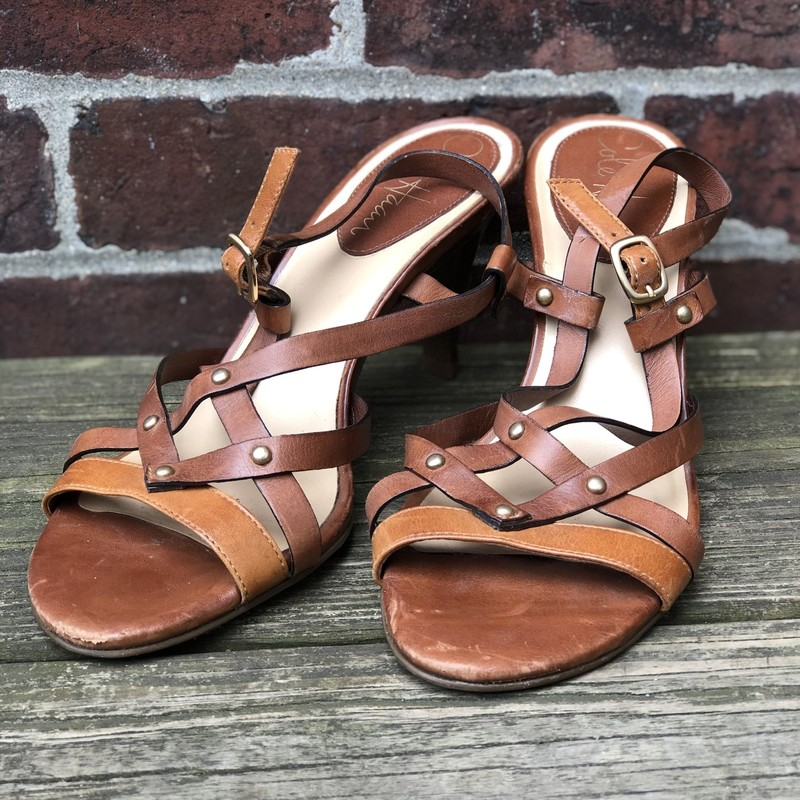 Cole Haan, Brown, Size: 6<br /> <br /> Condition is Like New