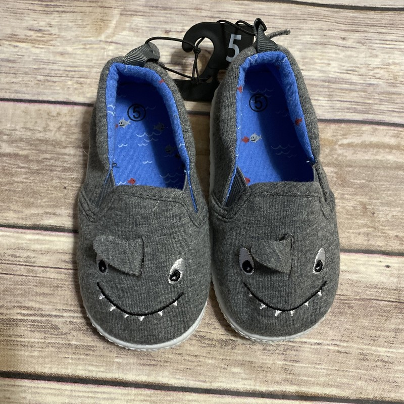 Shark NWT, Gray, Size: Shoe 5 (Little Kid)