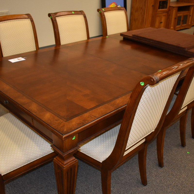 Dining Table w/ 8 Chairs 1 leaf