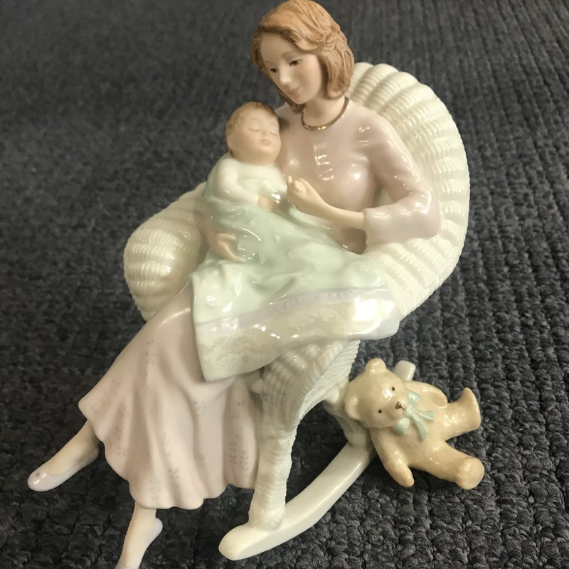 Lenox Mother Baby<br /> <br /> all  items are in preowned condition.  See pictures for more detail. No box
