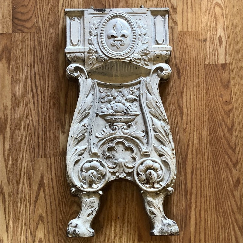 Haywood Wakefield Cast Iron End of Row Theatre Seat side. c.1930s. I was told it came out of a historic Chicago theatre. A great piece of Art Deco architectural salvage would be a great home decor.<br /> Instore pickup only - it's heavy!