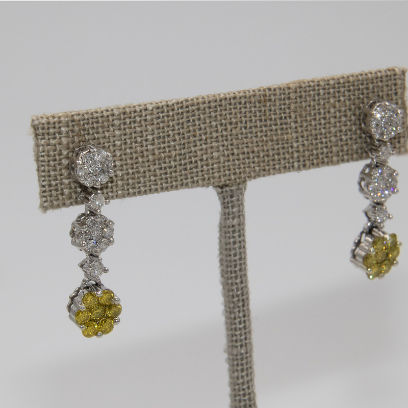14K White Gold SI2G dangle Earrings with yellow and white diamonds