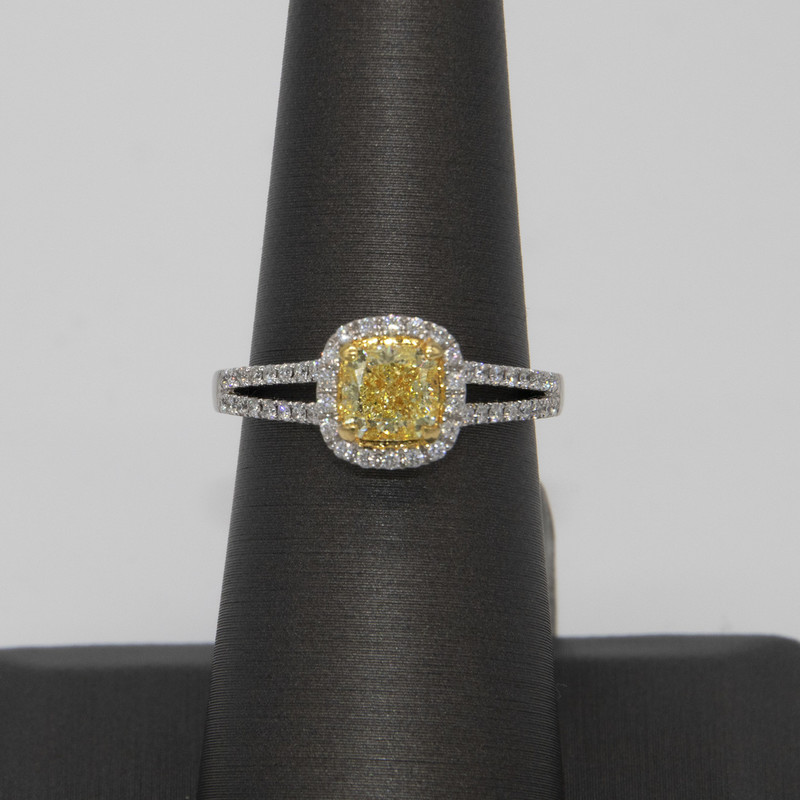 18K White gold, GIA certified 1.01 carat Yellow Diamond Ring, VS1, Fancy Light yellow with 1.28 carats total weight<br /> <br /> #gold #yellowdiamond #engagement #ring #wedding #onecarat #jewelry #new #GIA #certified