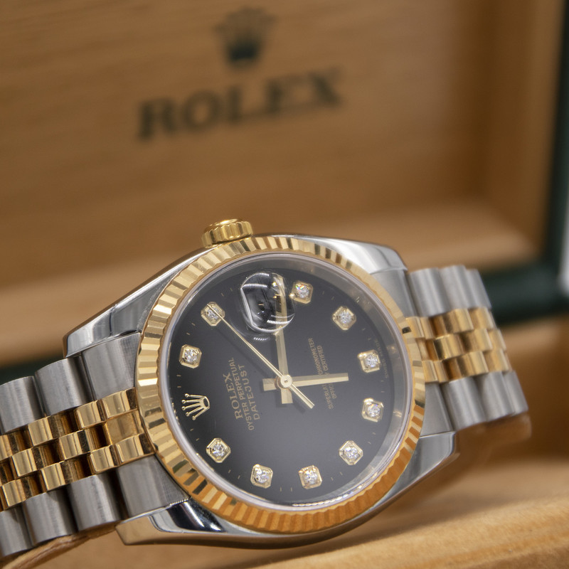Rolex Datejust  116233, Size: THHH]<br /> <br /> Box and papers mint condition band like new :)