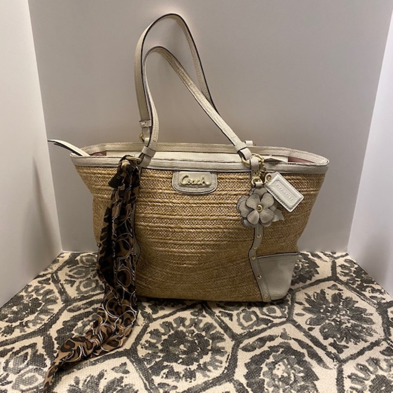 "Coach Straw Purse With Cheetah Scarf<br /> WhiteTan Size 17"" X 10""H"