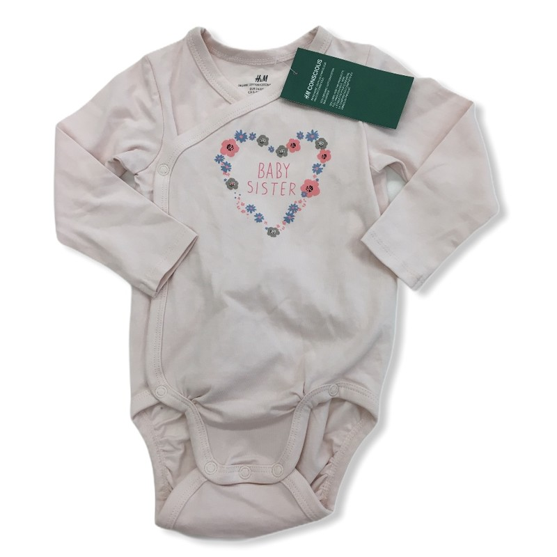 Long Sleeve Onesie (Organic) NWT, Girl, Size: 6/9m<br /> <br /> #resalerocks #handm #pipsqueakresale #vancouverwa #portland #reusereducerecycle #babysister #sister #fashiononabudget #chooseused #consignment #savemoney #shoplocal #weship #keepusopen #shoplocalonline #resale #resaleboutique #mommyandme #minime #fashion #reseller                                                                                                                         Cross posted, items are located at #PipsqueakResaleBoutique, payments accepted: cash, paypal & credit cards. Any flaws will be described in the comments. More pictures available with link above. Local pick up available at the #VancouverMall, tax will be added (not included in price), shipping available (not included in price), item can be placed on hold with communication, message with any questions. Join Pipsqueak Resale - Online to see all the new items! Follow us on IG @pipsqueakresale & Thanks for looking! Due to the nature of consignment, any known flaws will be described; ALL SHIPPED SALES ARE FINAL. All items are currently located inside Pipsqueak Resale Boutique as a store front items purchased on location before items are prepared for shipment will be refunded.