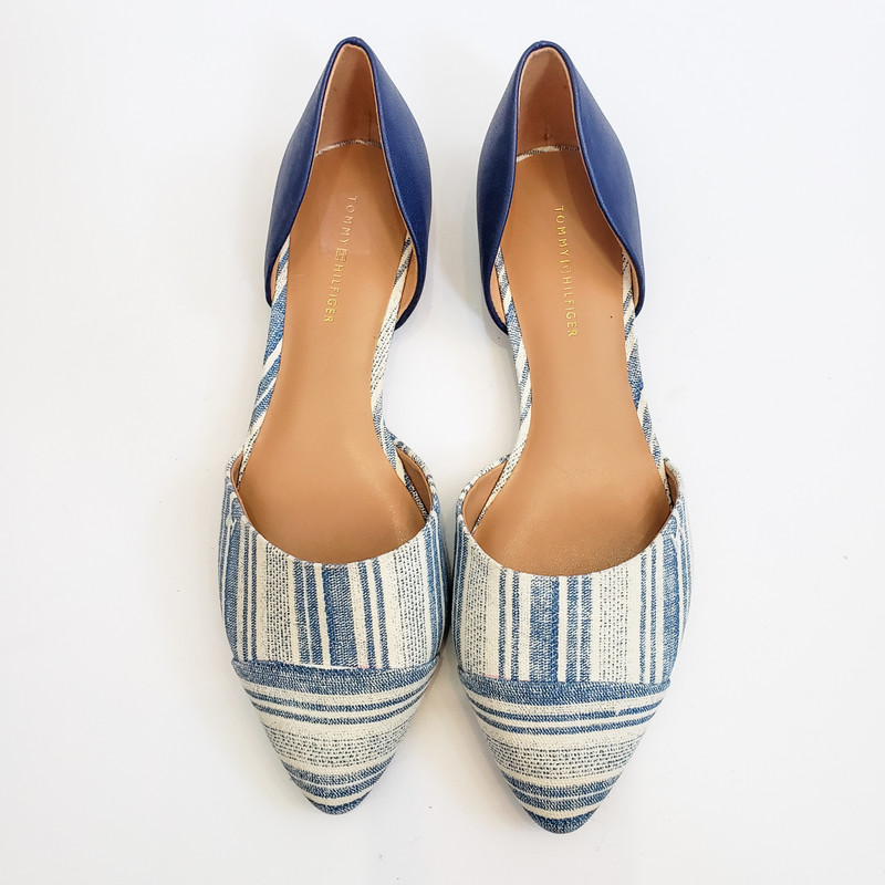 Tommy Hilfiger<br /> Blue and white flats<br /> Size: 7