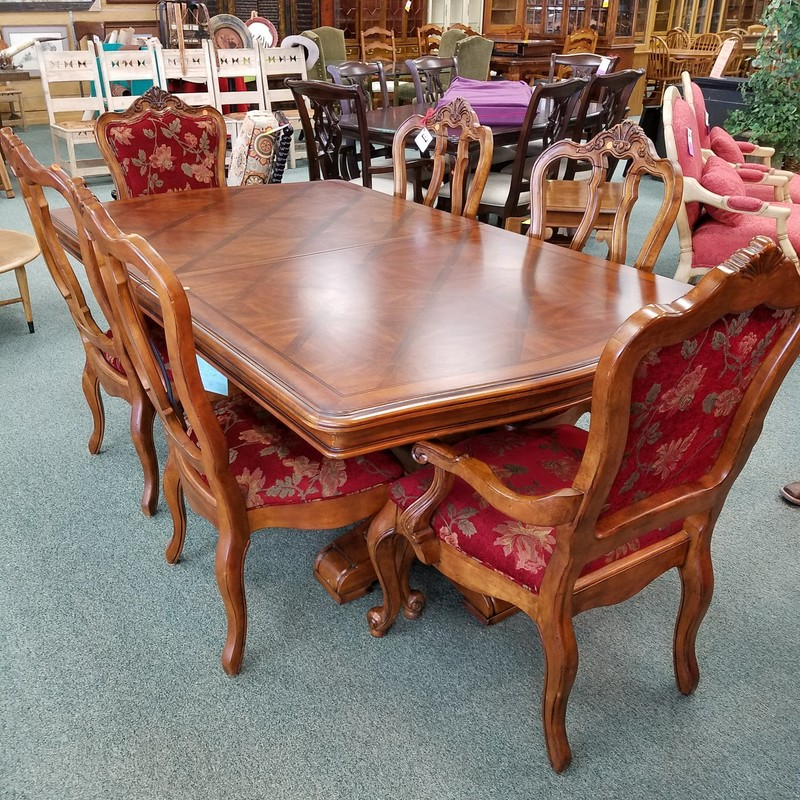 TABLE W/ 2L 1P 6 CHAIRS
