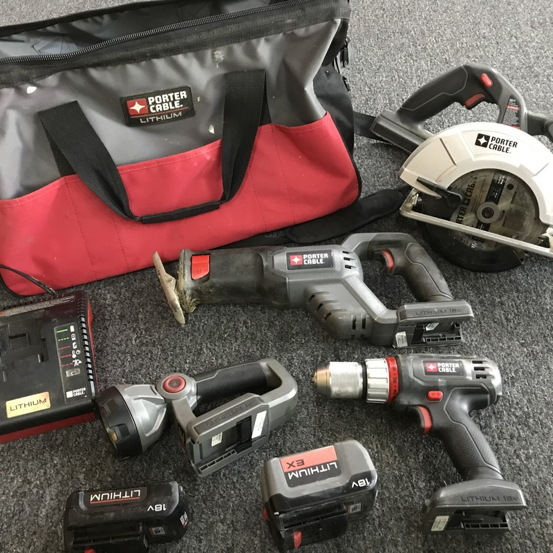 4pc Tool Set, Porter Cable 18V Li Ion<br /> Drill, Circular Saw, Reciprocating Saw, Light, Charger, 2 batteries and bag