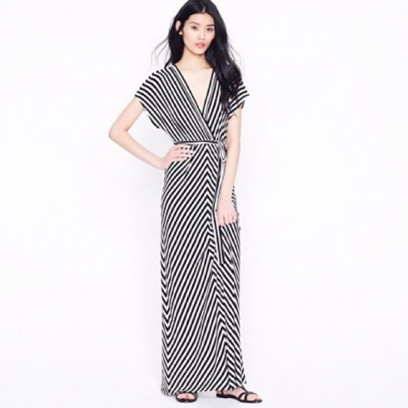 NWT J.Crew Kimono-Sleeved Maxidress size Large in black and white<br /> <br /> Graceful meets graphic, thanks to a bold diagonal stripe. Styled soft and sultry in a delicious knit that skims the body just so, our must-have maxidress features a dramatic double-V bodice, breezy kimono-style sleeves and a matching belt to cinch in the waist. Designed to wear loose.