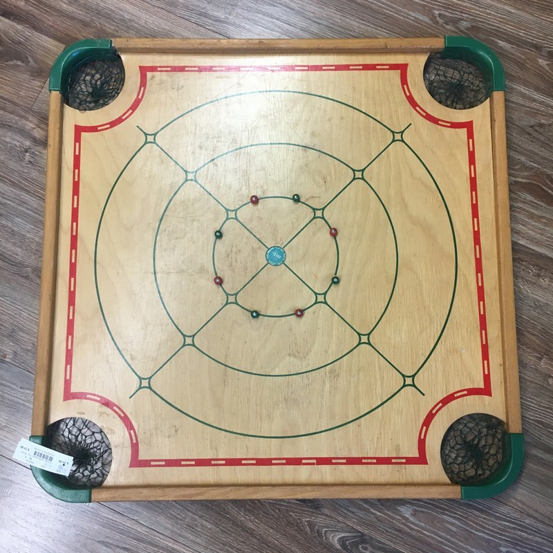 Reversible Game Board Top, Wood. Would be great wall hanging in game room or  man cave.<br /> Does have defect on one corner that wouldn't be very noticable if used as wall hanging.<br /> <br /> Item for pickup only.  7% Sales tax added upon purchase