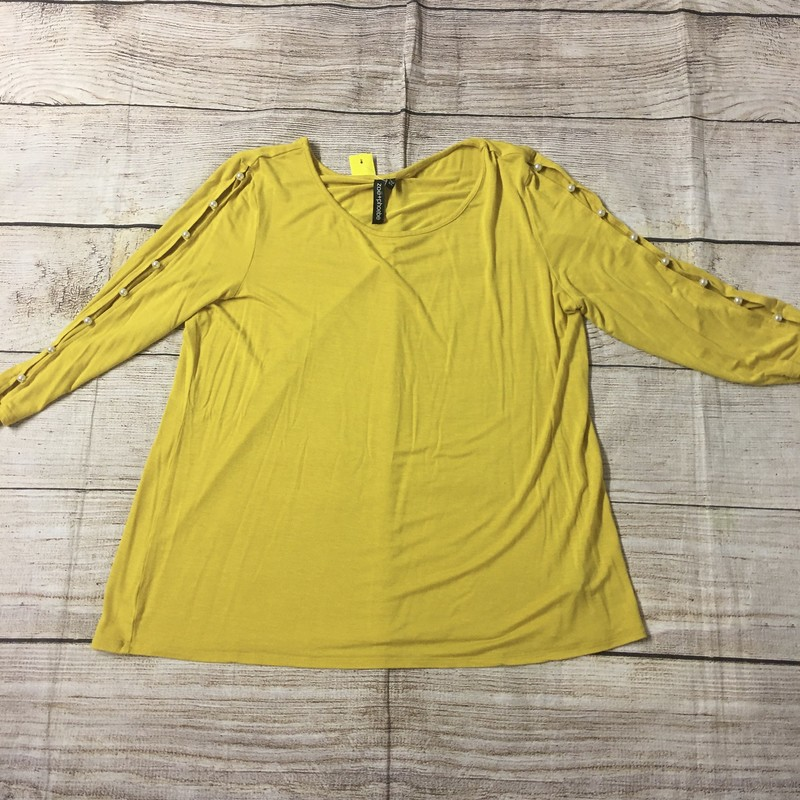 Yellow Top with pearl accents. Size XL and in perfect condition!